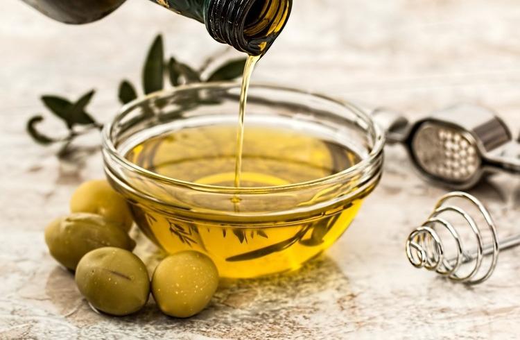 MIEJ OLEJ W GŁOWIE – czyli co o olejach spożywczych warto wiedzieć.