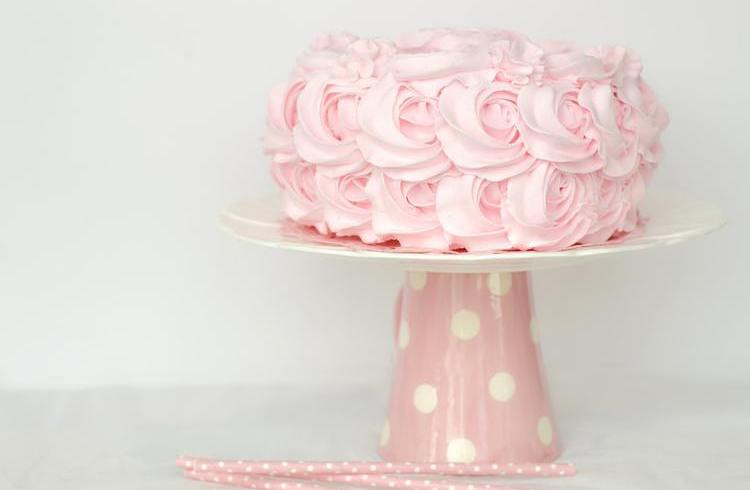 Stojaki i patery - na torty weselne i nie tylko